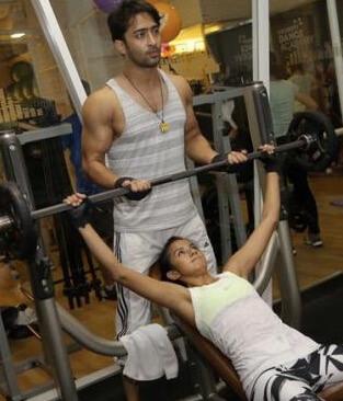 cewek nge gym