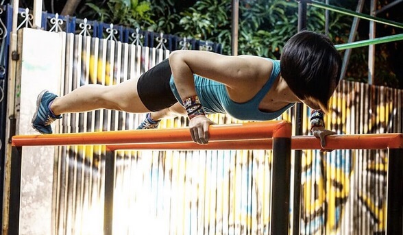 Vivian Junita Street Workout Training